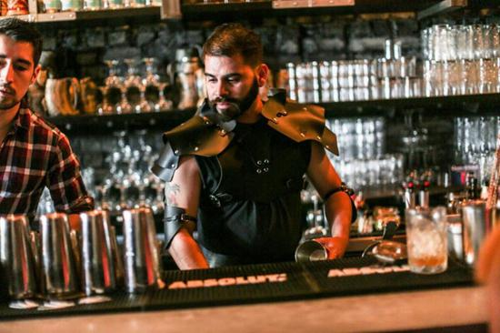 《权力的游戏》开播 还开了家主题酒吧