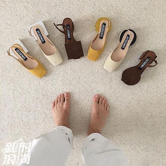 Jacquemus的不对称鞋系列