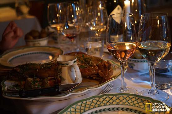 áarstova餐厅提供西班牙风味料理