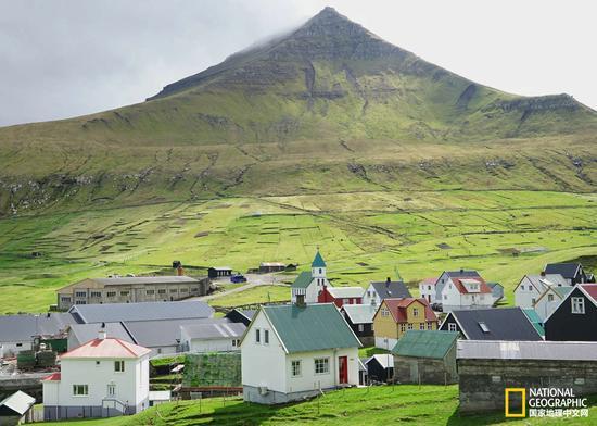 火山岩和草甸是法罗群岛的基本景色