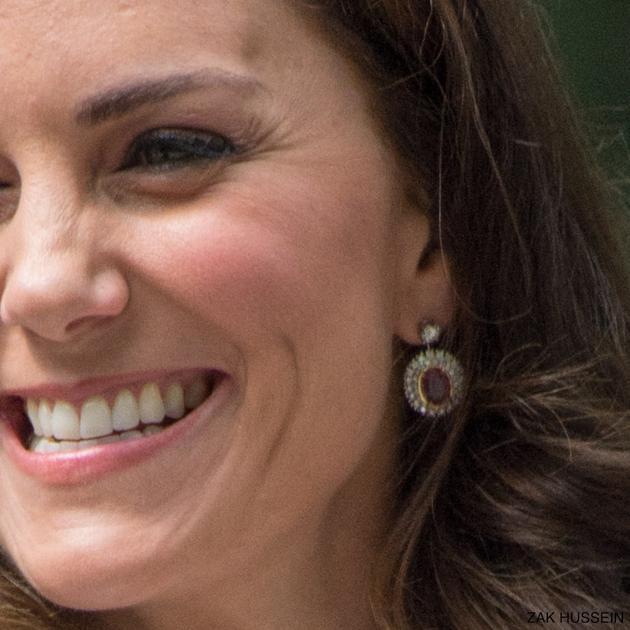 凯特王妃佩戴的全新粉蓝宝石耳坠