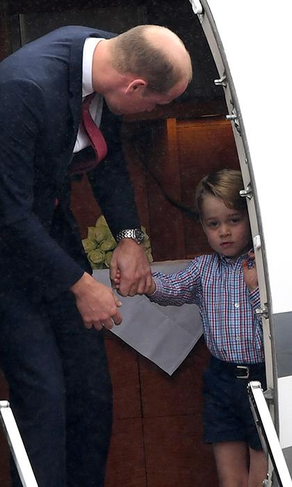 小王子走下飞机
