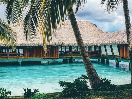 堪比马尔代夫水上屋 世界级潜水胜地盘点|马尔