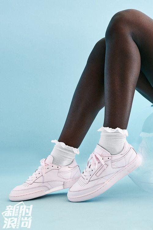"""粉色的Reebok Club C 85 """"Elm"""" Pack运动鞋"""