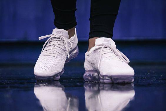 "Nike Air VaporMax Flyknit ""day to night""白色运动鞋"