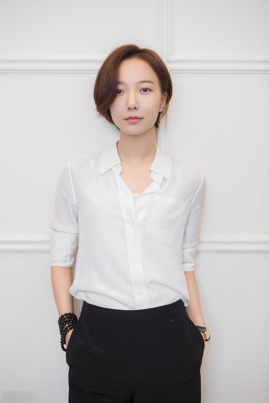 王珞丹衬衫