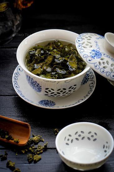 冲泡绿茶 图片来源自teapavse.com