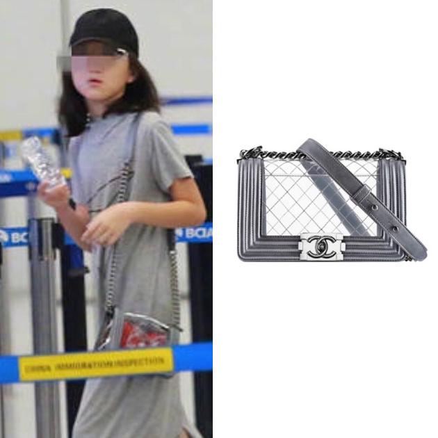 李嫣背Chanel透明包包
