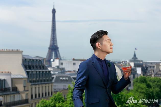 严屹宽在巴黎品鉴人头马X.O优质香槟区干邑,感受丰富诱人的香气与细腻和谐的口感