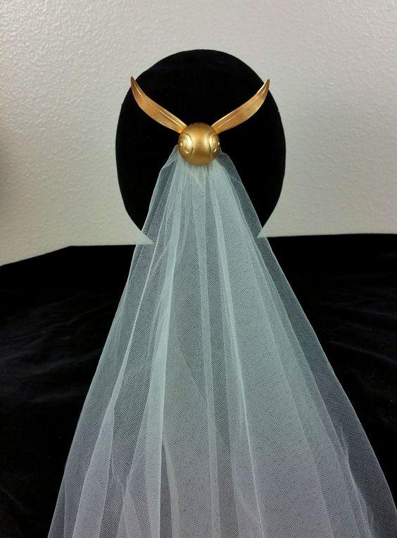 """新娘头纱上少不了""""金色飞贼""""的身影"""