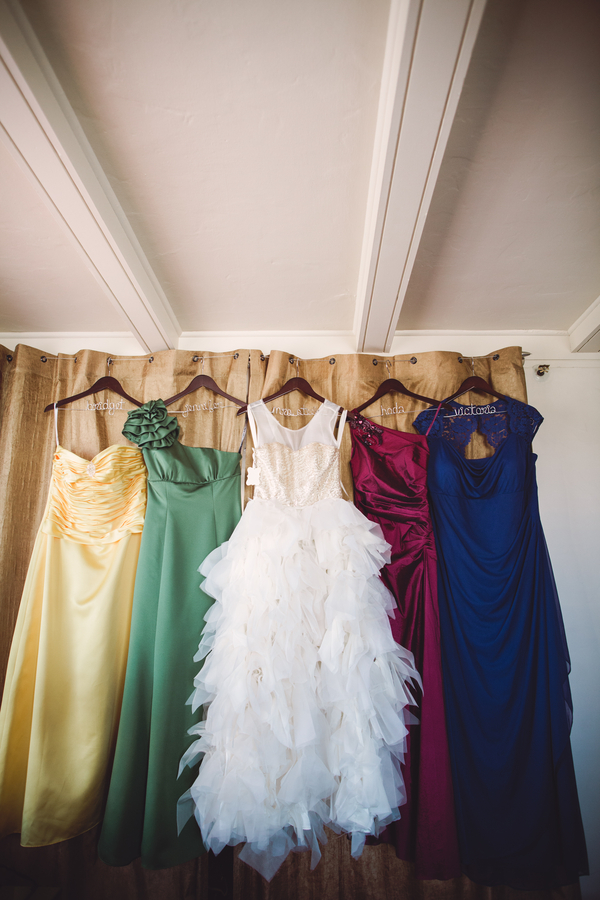 伴娘服装采用哈利波特中四个学院的代表颜色