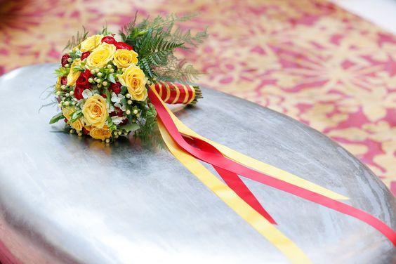 手捧花的彩带颜色也是哈利波特所属学院的代表色