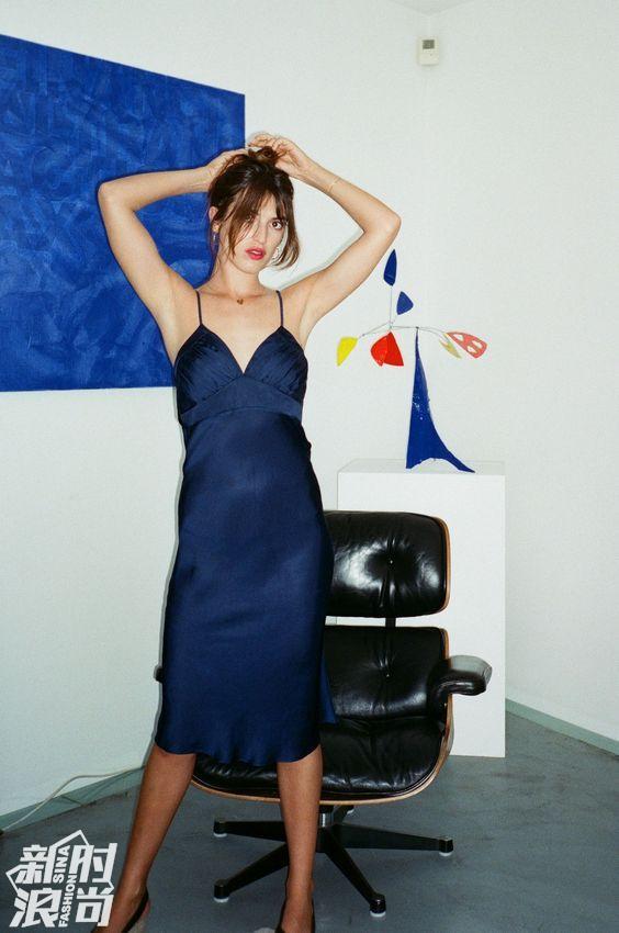 克莱因蓝在时尚中的应用