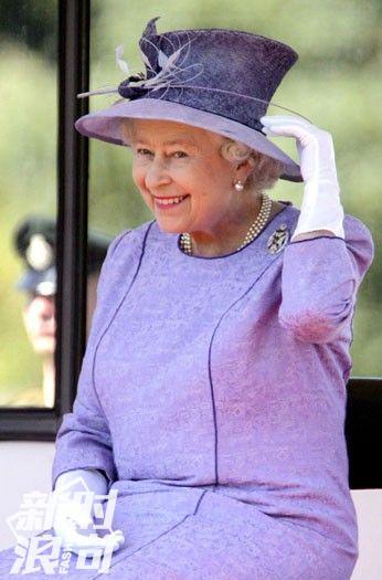 爱穿紫色的伊丽莎白女皇