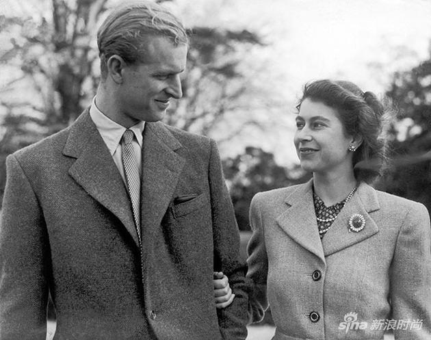 年轻的伊丽莎白二世女王和菲利普亲王