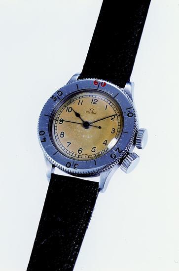 欧米茄CK2129腕表——汤姆·哈迪于电影《敦刻尔克》中佩戴的腕表