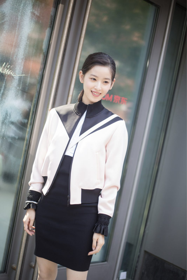 京东时尚品牌拓展顾问章泽天现身3.1Phillip Lim 2018春夏新品发布秀