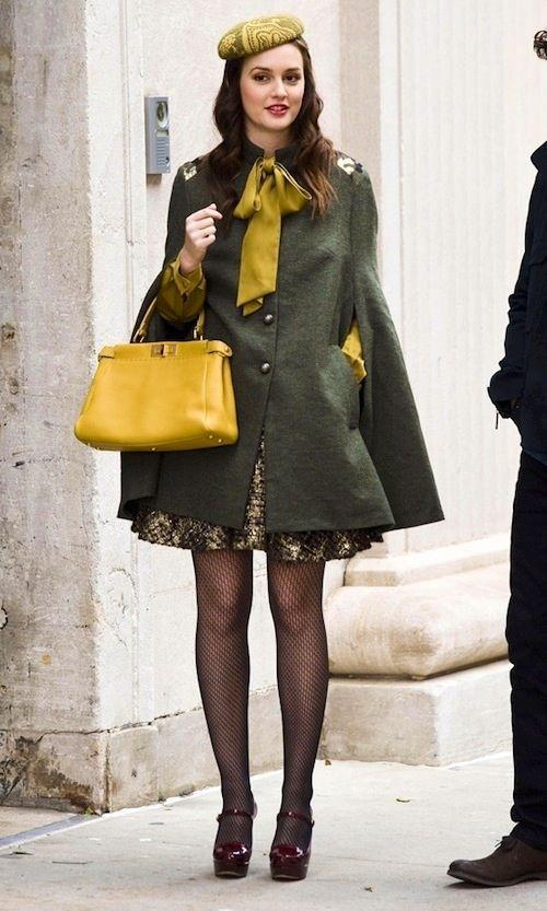 Blair穿斗篷外套