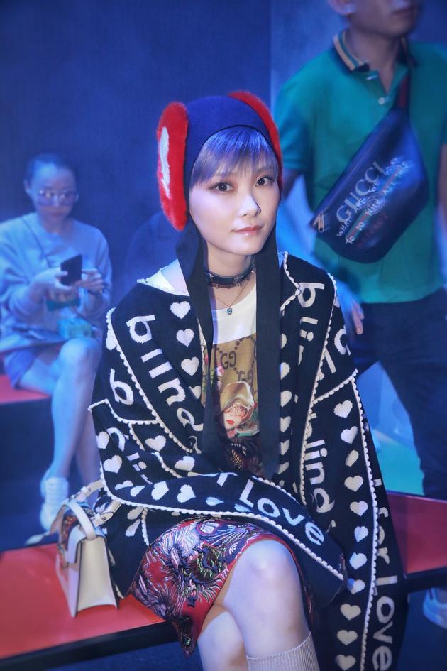 李宇春变身中国娃娃