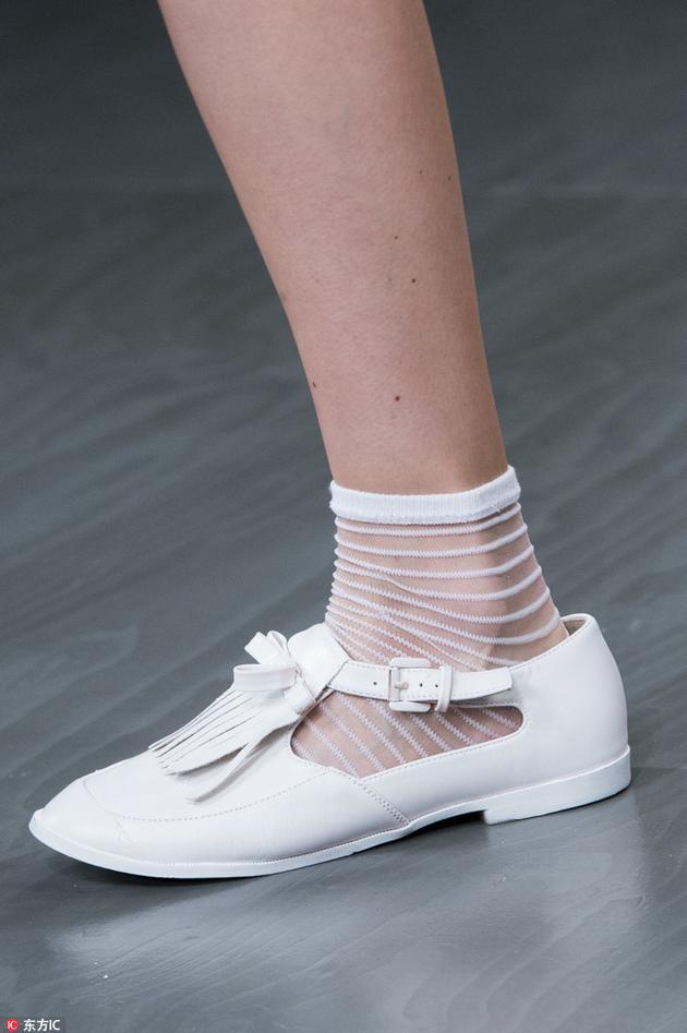 Bora Aksu复古平底鞋