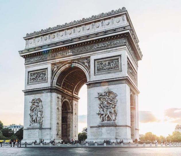 欧莱雅巴黎时装周 把香榭丽舍当T台