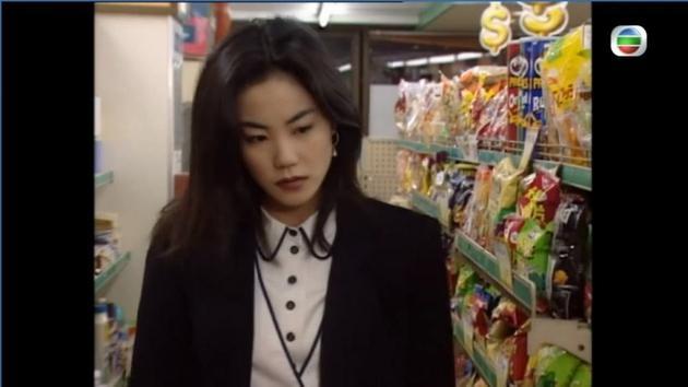 王菲的白衬衫造型