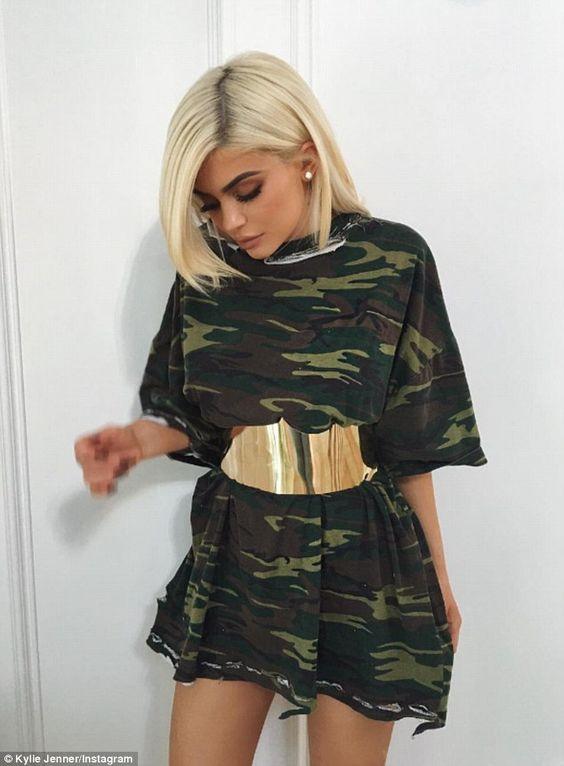 oversized T恤配腰封
