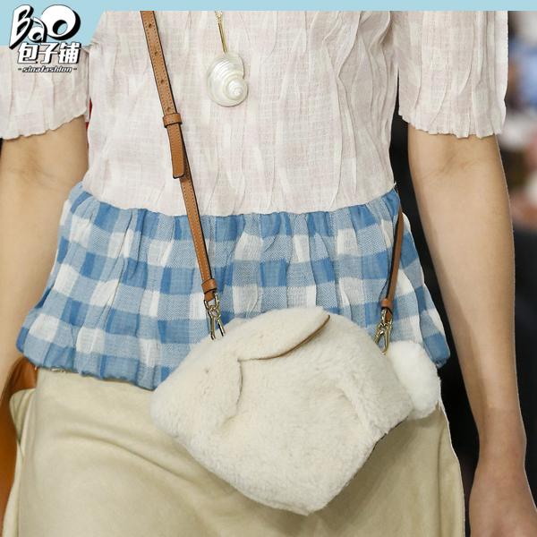Loewe兔子包