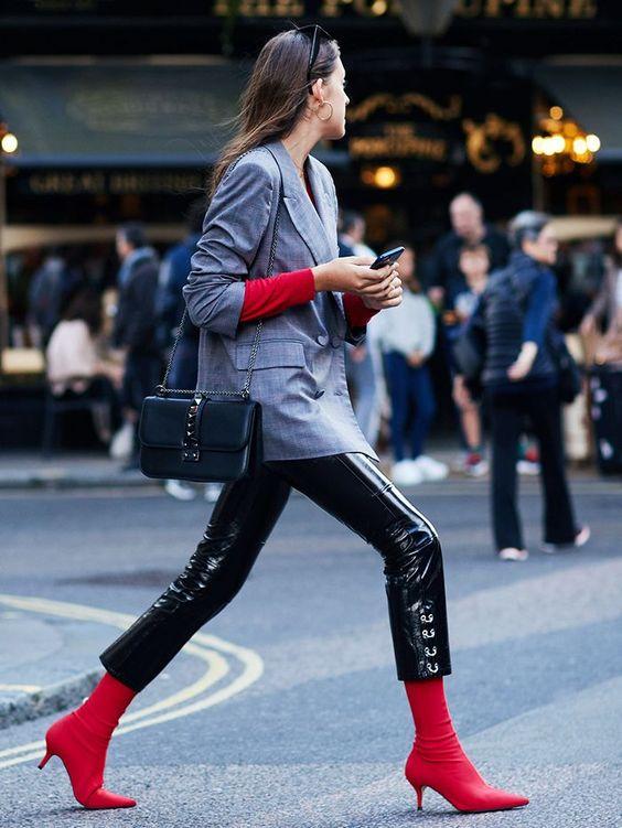 时尚博主穿袜靴街拍