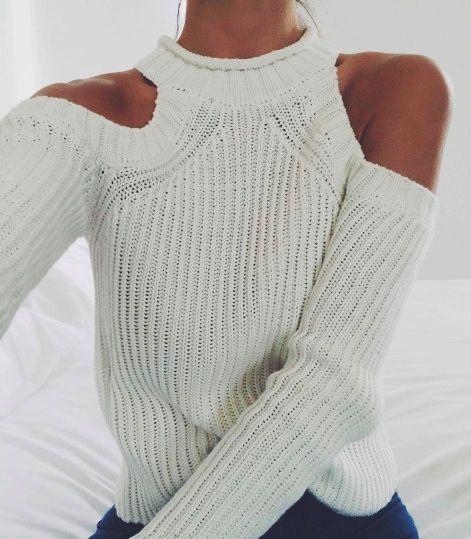 肩膀剜洞式毛衣