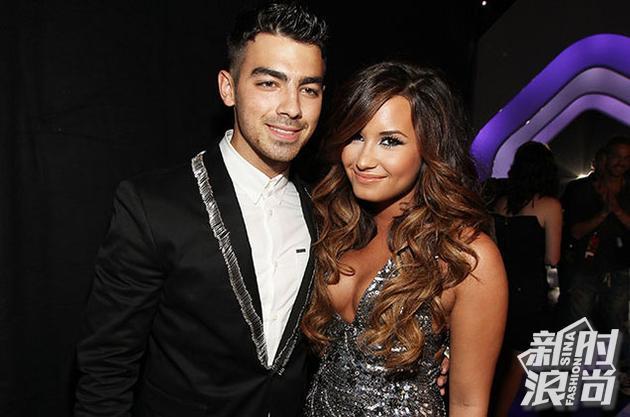 Joe Jonas曾经和Demi Lovato也有段情