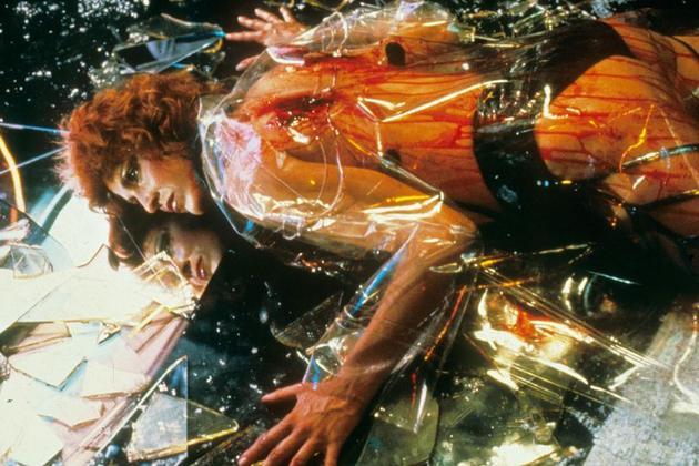 《银翼杀手》中的透明雨衣