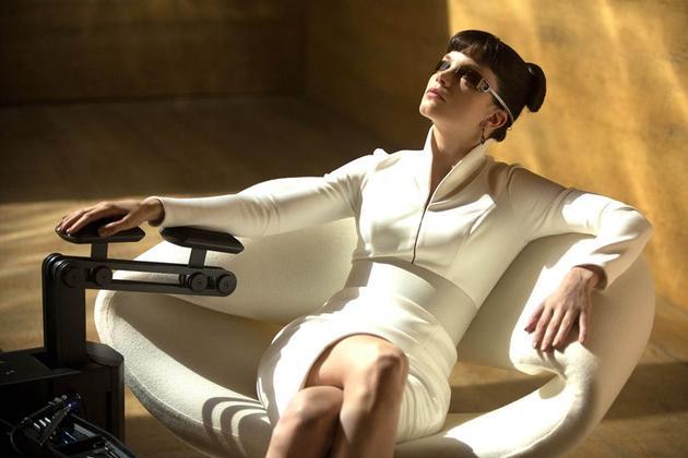 《银翼杀手2049》的小镜片墨镜