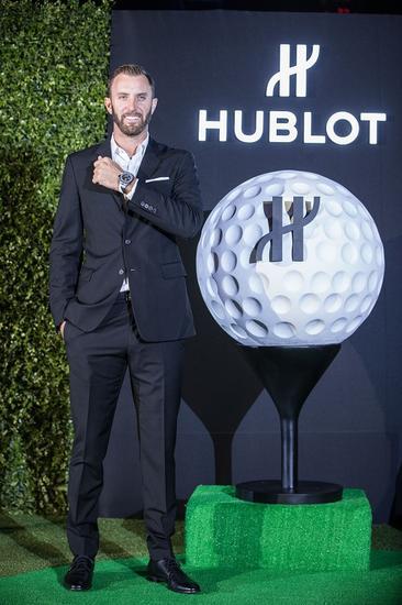 """高尔夫""""球王""""达斯汀·约翰逊于外滩佩戴宇舶表Big Bang Unico高尔夫腕表"""