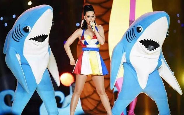 还跟鲨鱼共舞