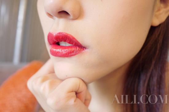 理由一:拥有缤纷阳光的心情,适合清新玫瑰色妆点。