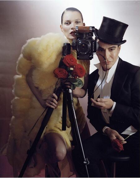 Tim Walker拍摄的Kate Moss 和John Galliano 刊登在英国版《VOGUE》2013 月刊