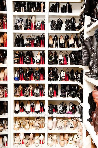 科勒-卡戴珊的鞋柜