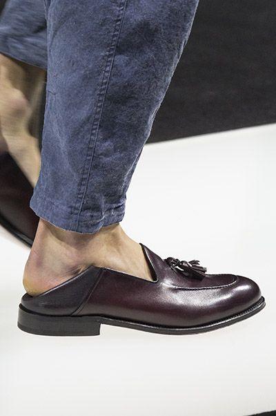 Giorgio Armani的半拖鞋式皮鞋