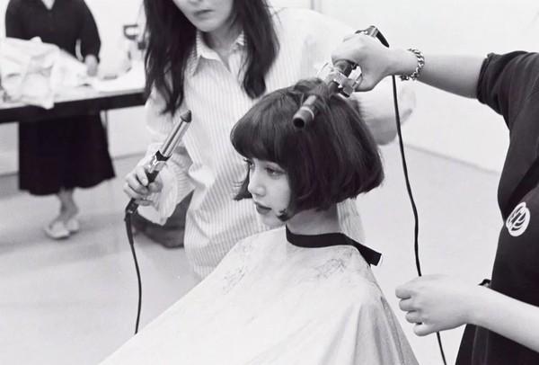 人间芭比Lisa短发造型