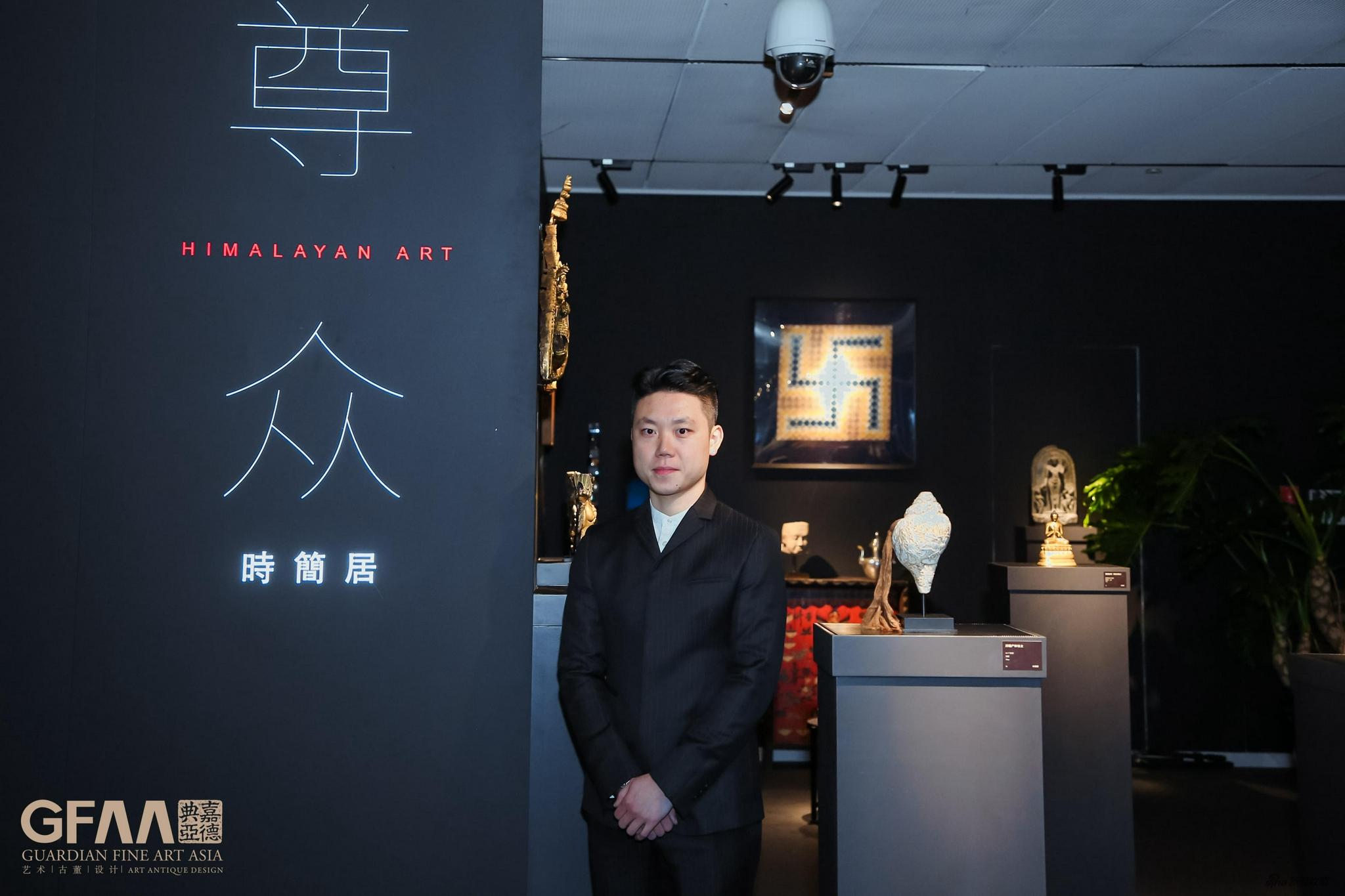 时简居创始人崔彬彬先生在GFAA2020展位前