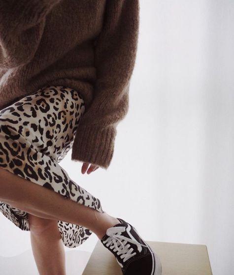 豹纹配运动鞋