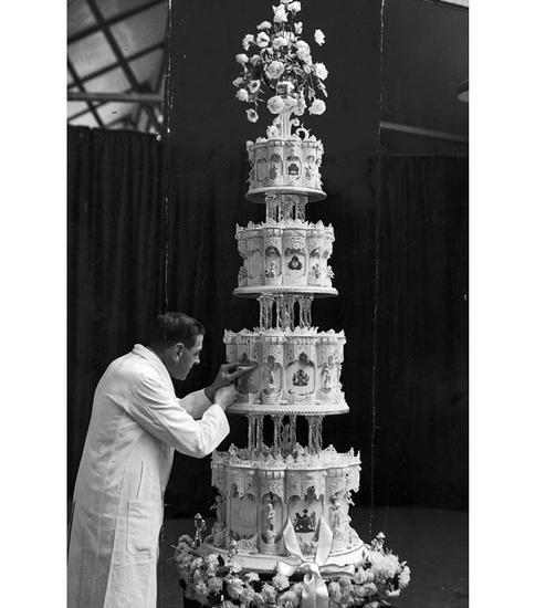 女王与菲利普亲王婚礼蛋糕