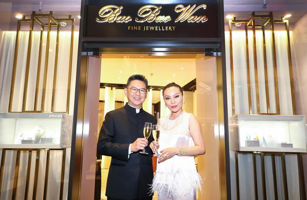 香港置地集团中国商用物业总裁高伟强先生与万宝宝女士