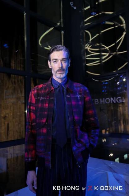 """被誉为""""世界上最会穿衣的男人""""——英国超模Richard Biedul"""