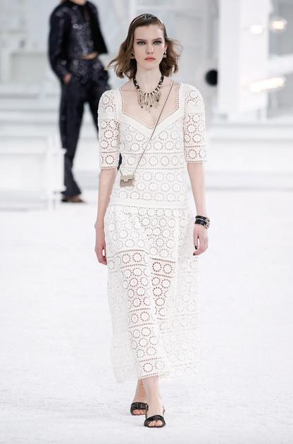 Chanel 2021春夏女装系列:清爽活力的复古少女
