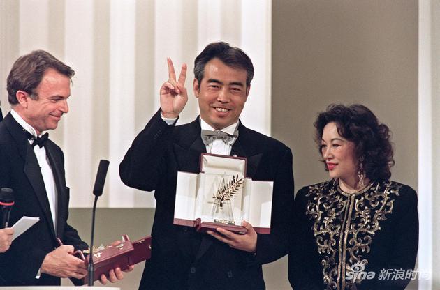 1993年,手捧金棕櫚的陳凱歌導演
