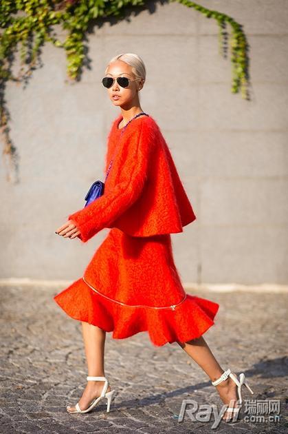 橘色针织裙