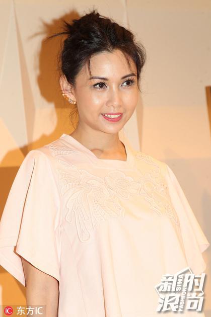 2015年3月19日,香港,Chloe 2015春夏新装发布会。邱淑贞
