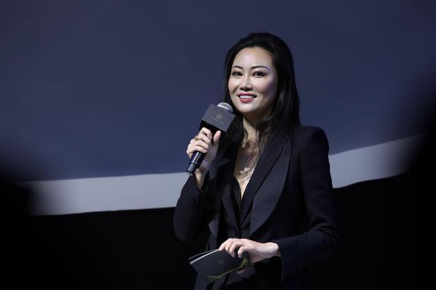 京东TOPLIFE总负责人王媛媛女士上台致辞 与到场嘉宾分享TOPLIFE的发展战略与愿景 (1)